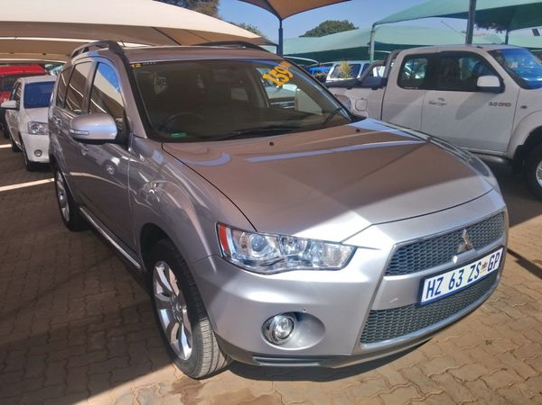 2012 Mitsubishi Outlander 2.4 Gls At  Gauteng Pretoria_0