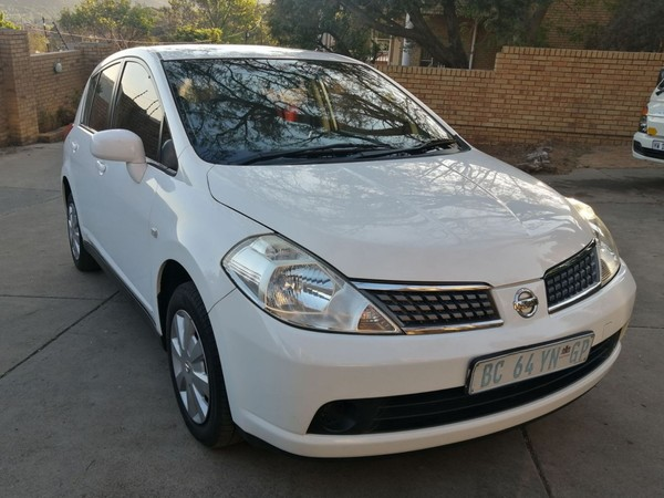 2011 Nissan Tiida 1.6 Visia  MT Hatch Low Mileage with FSH Gauteng Johannesburg_0