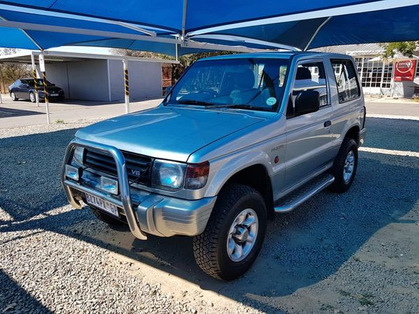 1997 Mitsubishi Pajero 3000 Glx Swb  Gauteng North Riding_0