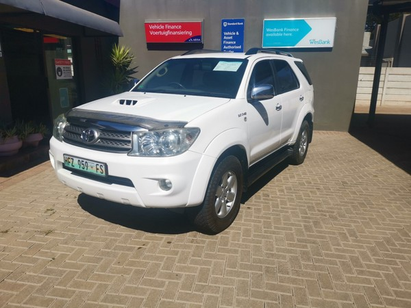 2011 Toyota Fortuner 3.0d-4d Rb 4x4  Limpopo Polokwane_0
