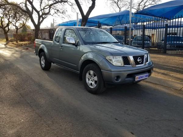 2010 Nissan Navara 2.5 Dci Xe Kcab 4x4 Pu Sc  Gauteng Pretoria West_0