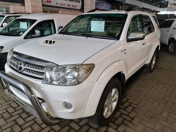 2010 Toyota Fortuner 3.0d-4d Rb  Free State Bloemfontein_0
