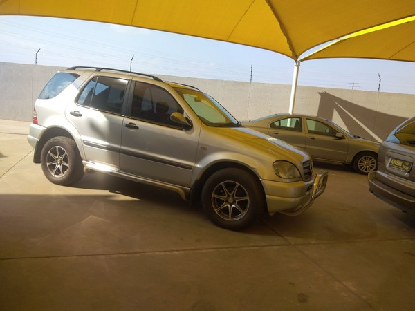 2001 Mercedes-Benz M-Class Ml320 At  Gauteng Lenasia_0