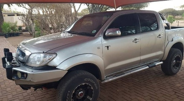 2010 Toyota Hilux 4.0 V6 RB Raider Double Cab Bakkie Auto Limpopo Vaalwater_0