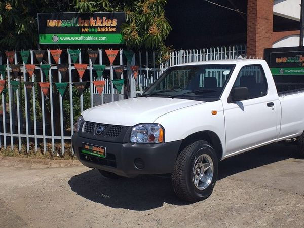 2016 Nissan NP300 2.0i LWB Single Cab Bakkie Gauteng Pretoria West_0