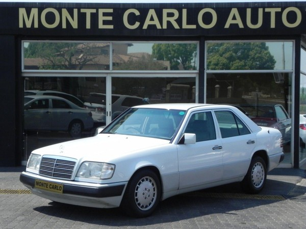 1995 Mercedes-Benz E-Class E 220 At  Gauteng Sandton_0