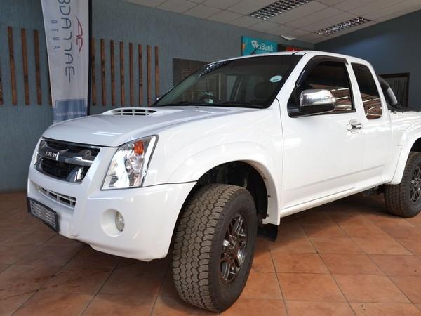 2011 Isuzu KB Series Kb300d-teq Lx Ecab Pu Sc  Free State Bloemfontein_0
