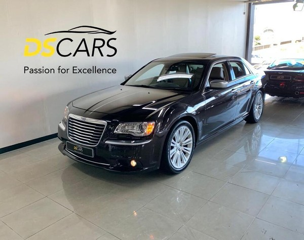 2014 Chrysler 300C 3.0 Crd Lux At  Western Cape Century City_0