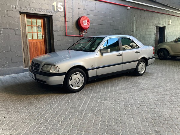 1997 Mercedes-Benz C-Class C200 Classic At  Western Cape Western Cape_0