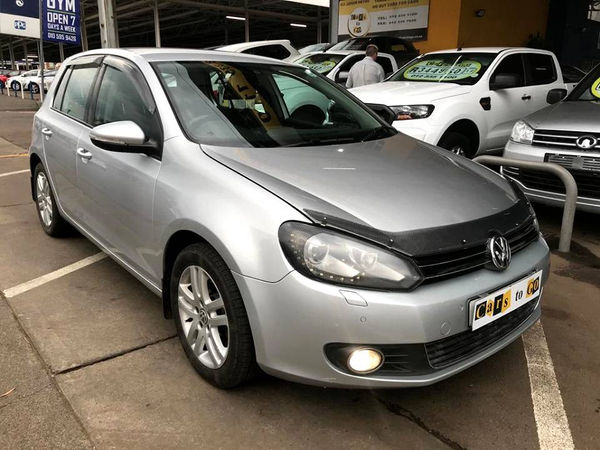 2011 Volkswagen Golf Vi 1.6 Tdi Comfortline Dsg  Gauteng Pretoria_0