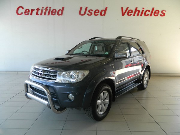 2011 Toyota Fortuner 3.0d-4d Rb At  North West Province Brits_0
