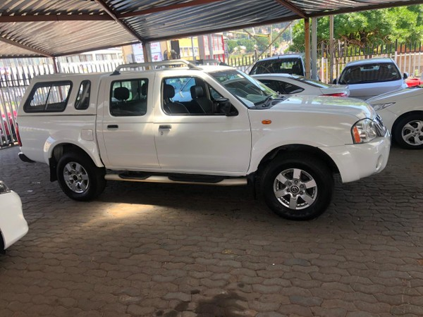 2014 Nissan NP300 Hardbody 2.4i HI-RIDER Double Cab Bakkie Gauteng Jeppestown_0