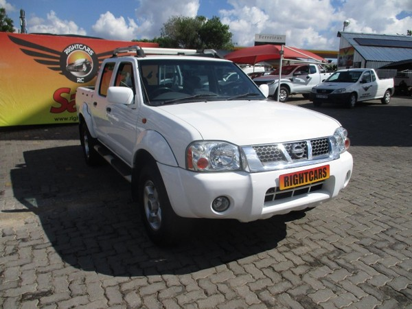 2002 Nissan Hardbody 3300i Sel j62 Pu Dc  Gauteng North Riding_0