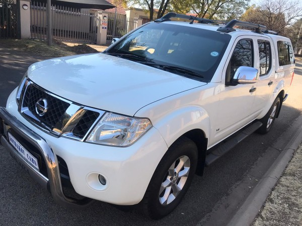 2013 Nissan Navara 3.0 Dci  Le At 4x4 Pu Dc  Gauteng Boksburg_0