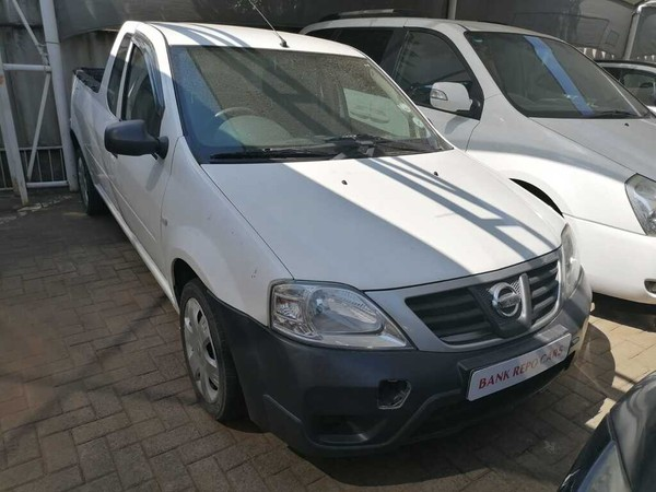 2014 Nissan NP200 1.6  Ac Safety Pack Pu Sc  Free State Bloemfontein_0