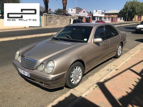 2001 Mercedes-Benz E-Class E240 V6 Elegance At  Gauteng Rosettenville_0