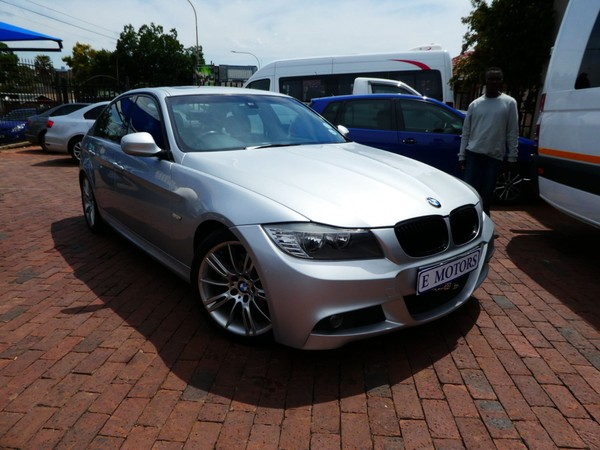 2011 BMW 3 Series 323i Exclusive At e90  Gauteng Bramley_0