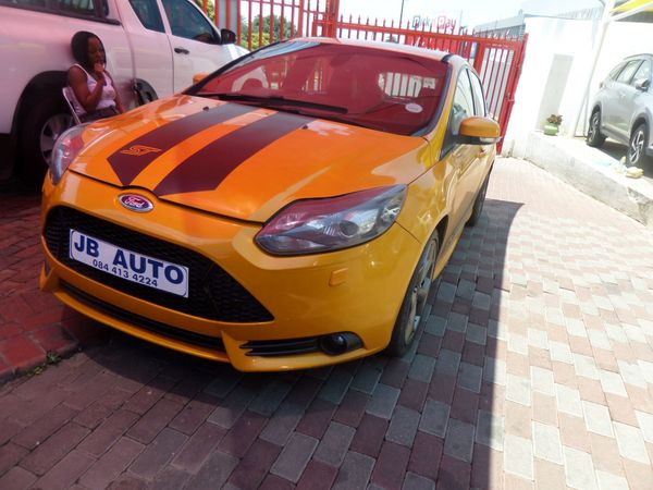 2015 Ford Focus 2.0 Gtdi St3 5dr  Gauteng Bramley_0