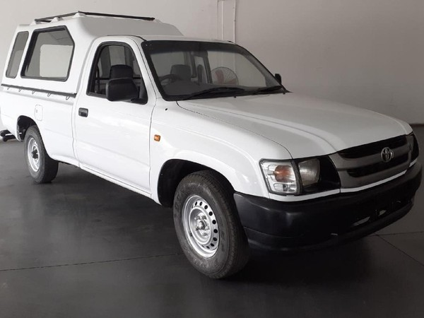 2002 Toyota Hilux 2000 Pu Sc  North West Province Brits_0