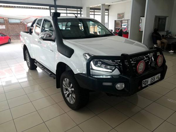 2019 Isuzu D-MAX 300 LX 4X4 ECAB PU Limpopo Mokopane_0