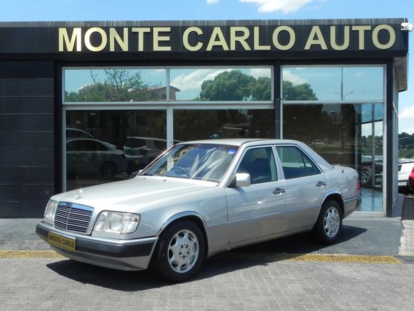 1994 Mercedes-Benz E-Class 220 E At Ac  Gauteng Sandton_0