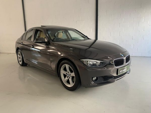 2013 BMW 3 Series 320i  At f30  Western Cape Table View_0