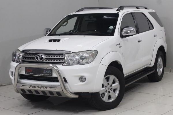 2011 Toyota Fortuner 3.0d-4d Rb At  Gauteng Nigel_0