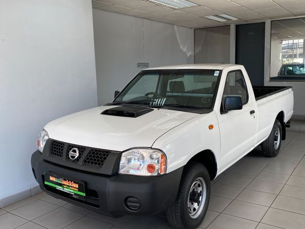 2015 Nissan NP300 Hardbody 2.5 TDi LWB Single Cab Bakkie Gauteng Pretoria West_0
