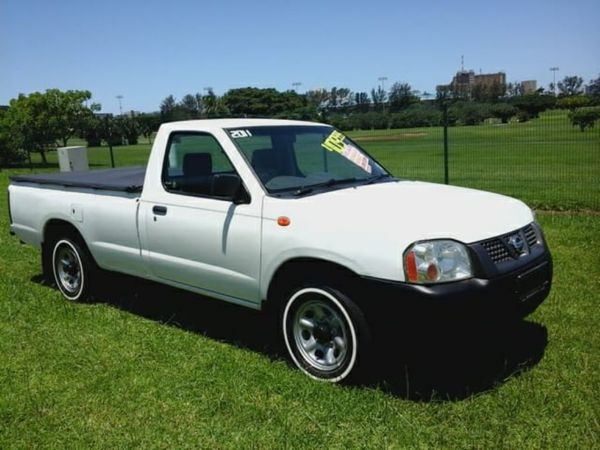 2011 Nissan NP300 2.0i SE LWB k10k29 Bakkie Single cab Kwazulu Natal Durban_0
