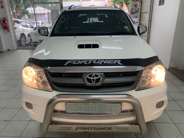 2006 Toyota Fortuner 3.0d-4d Raised Body  Gauteng Johannesburg_0