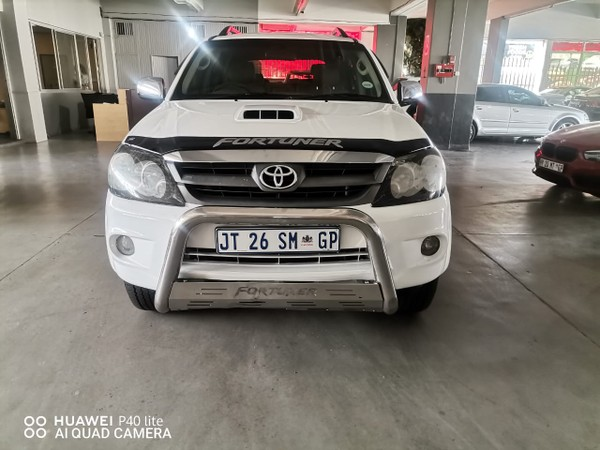 2006 Toyota Fortuner 4.0 V6 Raised Body  Gauteng Johannesburg_0