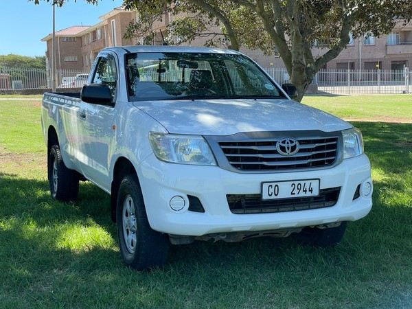 2012 Toyota Hilux 2.5 D-4d Srx Rb Pu Sc  Eastern Cape Port Elizabeth_0