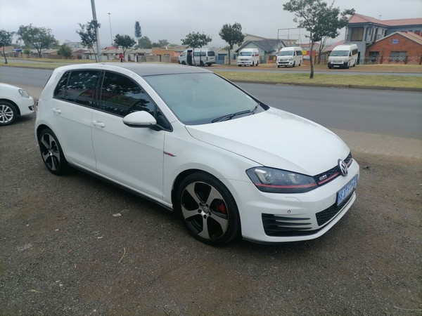 2015 Volkswagen Golf VII GTi 2.0 TSI DSG Clubsport Gauteng Soweto_0