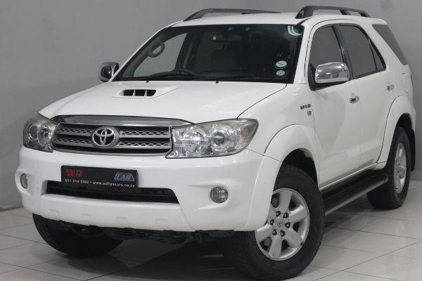 2011 Toyota Fortuner 3.0d-4d Rb At  Gauteng Nigel_0