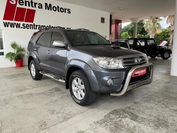 2010 Toyota Fortuner 3.0d-4d Rb 4x4  Free State Bloemfontein_0