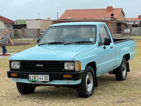 1989 Toyota Hilux 1800 col. Shift Fc Ds  Eastern Cape Port Elizabeth_0