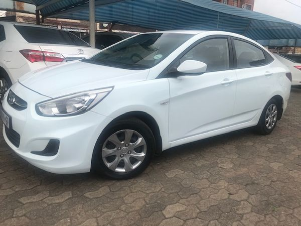 2014 Hyundai Accent 1.6 Gl  Gauteng Roodepoort_0