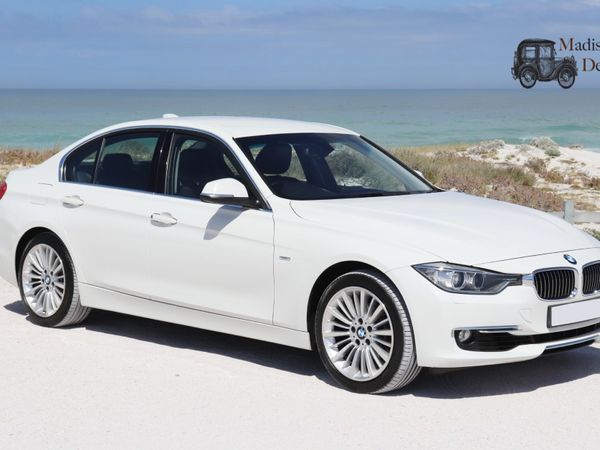 2013 BMW 3 Series 320i Luxury Line f30  Western Cape Paarden Island_0