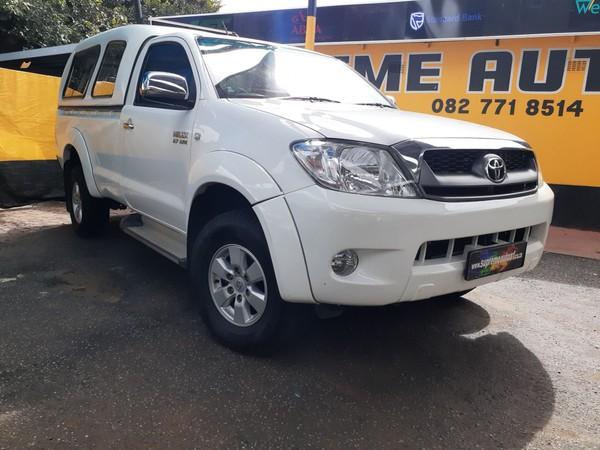 2009 Toyota Hilux Low Mileage 2.7 Vvti SC FSH Gauteng Pretoria_0