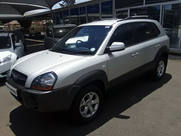 2010 Hyundai Tucson 2.0 Gls  Gauteng Randfontein_0