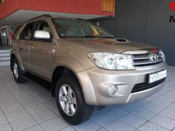 2011 Toyota Fortuner 3.0d-4d 4x4 At  Eastern Cape East London_0