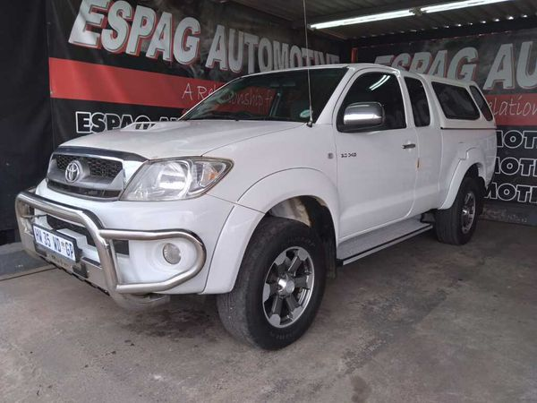 2011 Toyota Hilux 3.0d-4d Raider Xtra Cab 4x4 Pu Sc  Gauteng Pretoria_0
