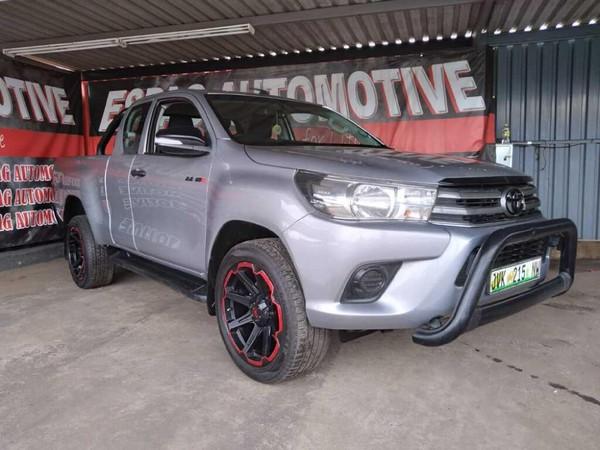 2016 Toyota Hilux 2.4 GD-6 Raised Body SRX Extended Cab Gauteng Pretoria_0