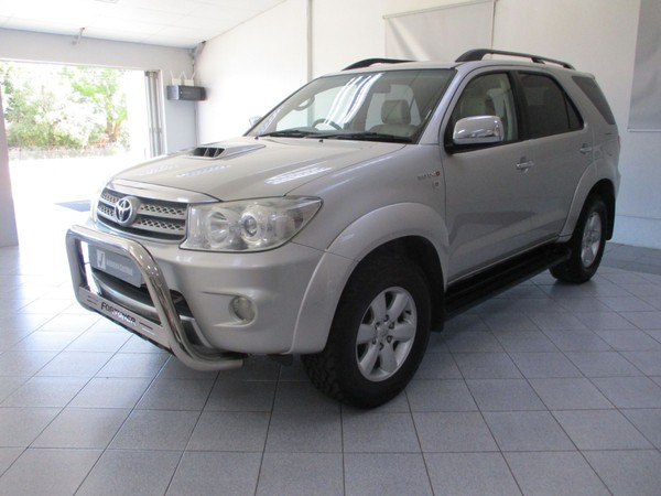 2010 Toyota Fortuner 3.0d-4d Rb  Eastern Cape Humansdorp_0