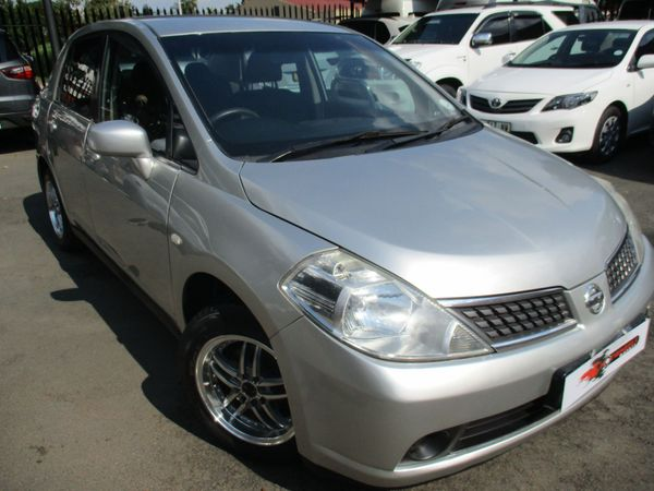 2011 Nissan Tiida 1.6 Visia  AT Sedan Gauteng Alberton_0