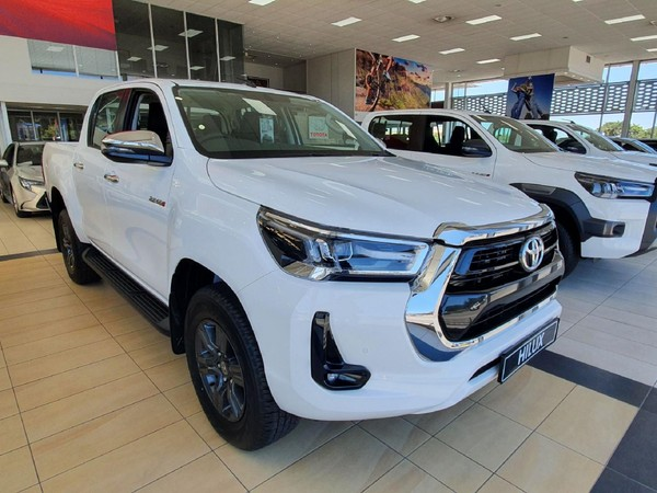 2021 Toyota Hilux 2.8 GD-6 RB Raider Auto Double Cab Bakkie Western Cape Table View_0