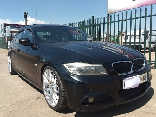 2009 BMW 3 Series 320i Sport At e90  Gauteng Germiston_0