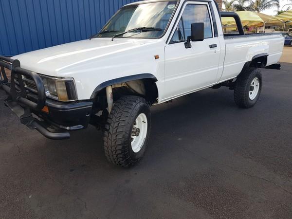 1994 Toyota Hilux 2400 Diesel 4x4 Pu Sc  Gauteng Pretoria_0