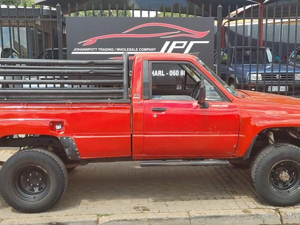 1983 Toyota Hilux 2400 Pu Sc  Gauteng Pretoria_0