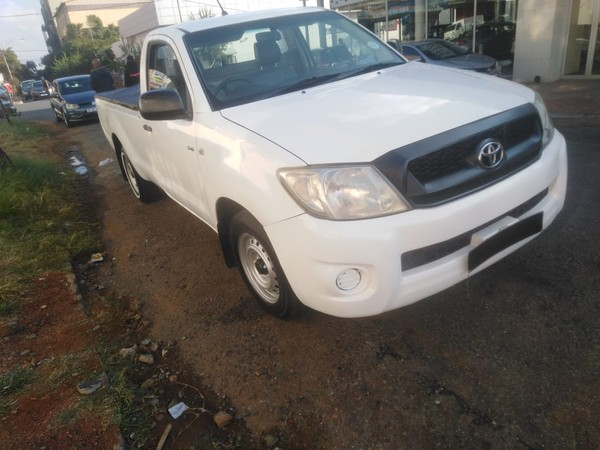 2011 Toyota Hilux 2.5 D-4D S Single-Cab Gauteng Jeppestown_0